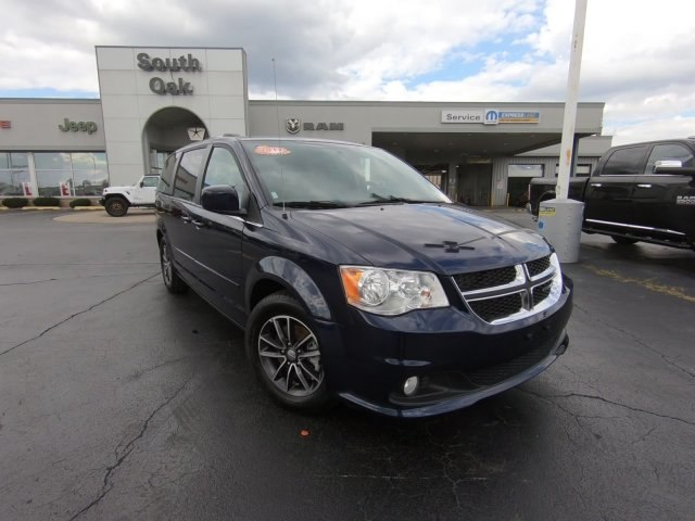 Certified Pre Owned 2017 Dodge Grand Caravan Sxt Minivan In Matteson